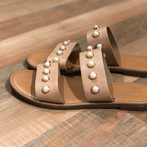 Nude & Pearl Strapped Sandals